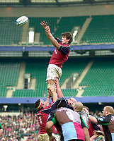 2004/05 Heineken_Cup, NEC,Harlequins vs Munster, RFU Twickenham,ENGLAND:.Munster's Donnacha O'Callaghan collecting hte line out ball, unchallenged...Photo  Peter Spurrier. .email images@intersport-images.com...