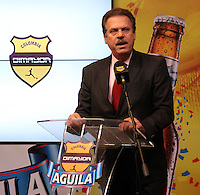 BOGOTA -COLOMBIA, 19-DICIEMBRE-2014. Ramon Jesurun Franco , presidente de La Dimayor durante su intervencion en el  sorteo de los cuadrangulares de ascenso en las instalaciones de Bavaria nuevo patrocinador del futbol colombiano .El grupo A quedo  conformado por los equipos : Cucuta ,Bucaramanga, Real Cartagena ,y Leones del Quindio ,el grupo B conformado por  los equipos: Pereira ,Cortulua ,Magdalena y America. / Jesurun Ramon Franco, president of The Dimayor during his intervention in the draw for the climb homers facilities Bavaria new sponsor of Colombian soccer .The group A I remain composed of teams: Cucuta, Bucaramanga, Real Cartagena, and Leones del Quindio the B group comprised of teams: Pereira, Cortulua, Magdalena and America. Photo / VizzorImage / Felipe Caicedo  / Staff