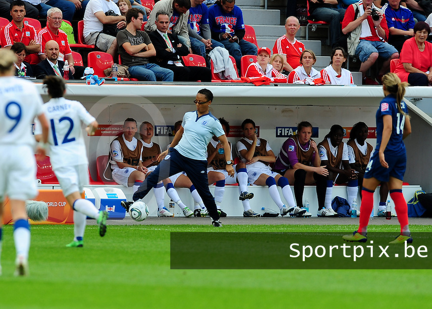 Fifa Women's World Cup Germany 2011 : England - France - at Leverkusen : Hope Powell voetballend.foto DAVID CATRY / Vrouwenteam.be
