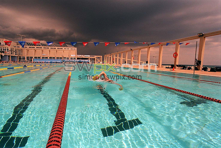 Pix: Ben Duffy/SWpix.com.....Swimming. Great Britain Warm Weather Training, Mataro, Spain.18/05/2002...COPYWRIGHT PICTURE>>SIMON WILKINSON>>01943 436649>>..Stormy swimming pool GV