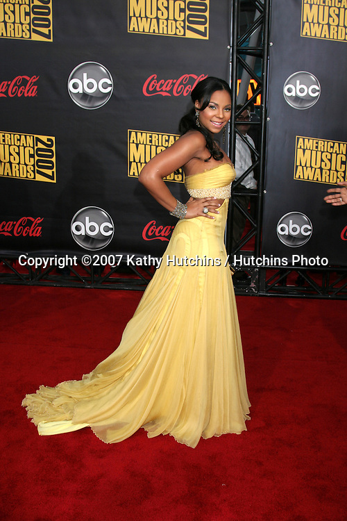 Ashanti.American Music Awards 2007.Nokia Theater.Los Angeles, CA.November 18, 2007.©2007 Kathy Hutchins / Hutchins Photo...               .