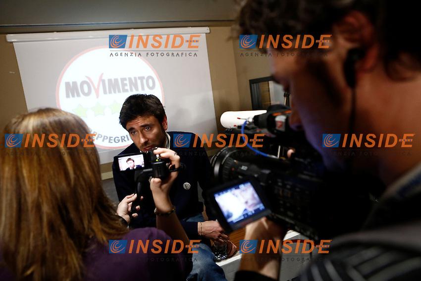 Alessandro Di Battista.Roma 25/02/2013 Comitato elettorale di Roma del Movimento 5 Stelle, attesa per l'esito delle elezioni 2013..Photo Matteo Minnella/OneShot/Insidefoto