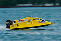8-10 August 2008  Algonac, MI USA.Last week's winner in St.Louis, Terry Rinker at speed on the St.Clair River Friday afternoon in his F1 boat..©F.Peirce Williams 2008