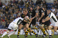 Wycombe, Great Britain, Wasps, Phil Vickery on the charge, during the EDF Energy, Anglo Welsh, rugby Cup match, London Wasps vs London Irish,  at Adams Park, England, 08/10/2006. [Photo, Peter Spurrier/Intersport-images]....