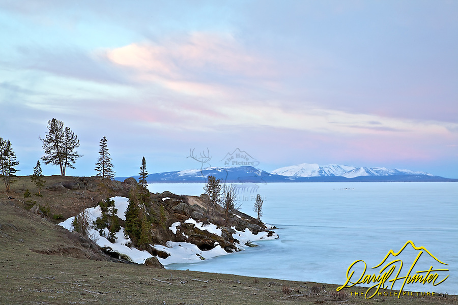 Sunrise, Steamboat Point, Yellowstone Lake, Yellowstone National Park, winter, frozen lake