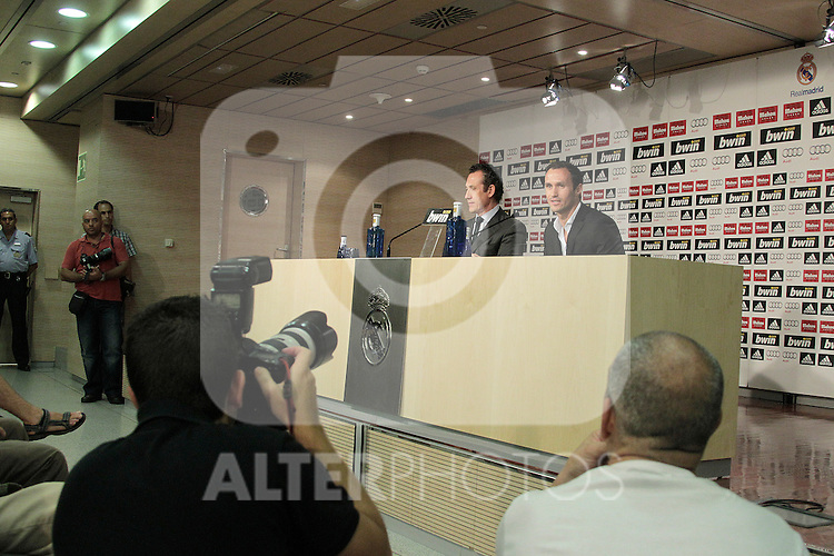 MADRID (12/08/2010).- Ricardo Carvalho press conference as new Real Madrid player. Pictured Ricardo carvalho and Jorge Valdano...Photo: Cesar Cebolla / ALFAQUI