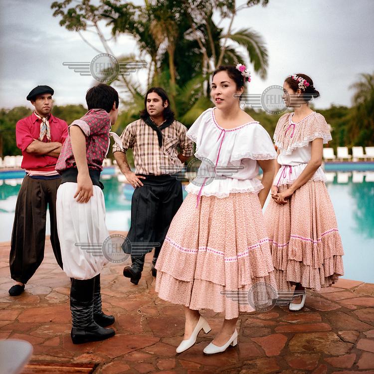 A group of folk dancers from San Ignacio.