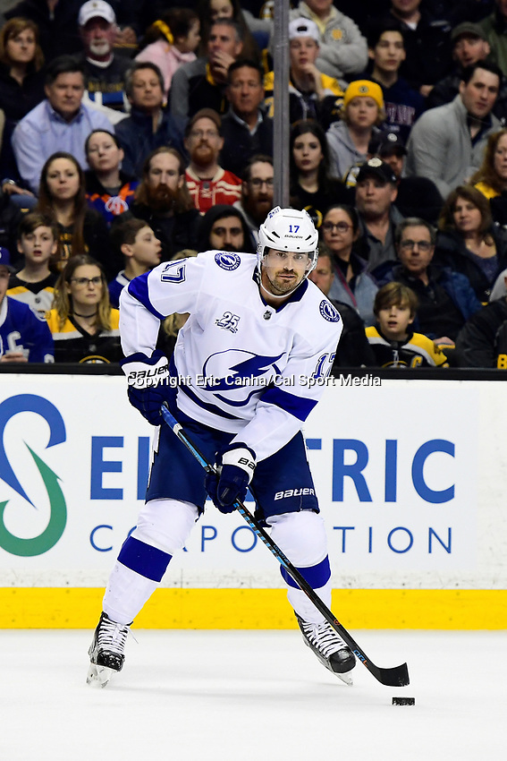 March 29, 2018: Tampa Bay Lightning left wing Alex Killorn (17) in game action during the NHL game between the Tampa Bay Lightning and the Boston Bruins held at TD Garden, in Boston, Mass. Boston defeats Tampa Bay 4-2. Eric Canha/CSM