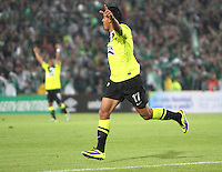 BOGOTA -COLOMBIA- 28 -11--2013. Jefferson  Duque  del Atletico Nacional celebra su gol contra el Independiente Santa Fe , encuentro de los cuadrangulares finales de la Liga Postobon jugado en el estadio de El Campin /  Jefferson  Duque of  Atletico Nacional celebrates his goal against Independiente Santa Fe  , meeting the final matches  Postobon League played at El Campin Stadium .Photo: VizzorImage / Felipe Caicedol / Staff