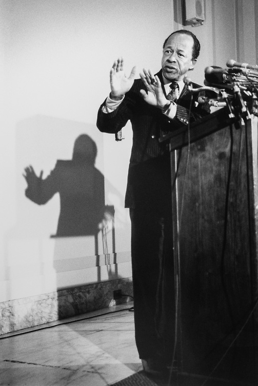 Rep. Gus Savage, D-Ill., at a press conference, on April 2, 1990. (Photo by Laura Patterson/CQ Roll Call)
