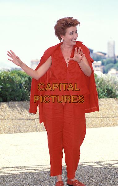EMMA THOMPSON.Ref: 7424.www.capitalpictures.com.sales@capitalpictures.com.© Capital Pictures.frumpy, red