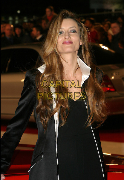 NATASCHA MCELHONE.Starsky & Hutch UK premiere in Odeon Leicester Square.11 March 2004.half length, half-length.www.capitalpictures.com.sales@capitalpictures.com.© Capital Pictures.
