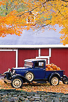 USA, Vermont. Antique truck with pumpkins in Autumn