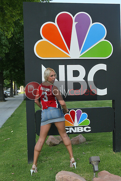 """Mary Carey outside NBC studios in Burbank<br /> on the set of MSNBC's """"Countdown wirth Keith Olbermann"""" to anounce her intention to run for California Lieutenant Governor, NBC Studios, Burbank, CA 06-21-05<br /> EXCLUSIVE<br /> <br /> David Edwards/DailyCeleb.Com 818-249-4998"""