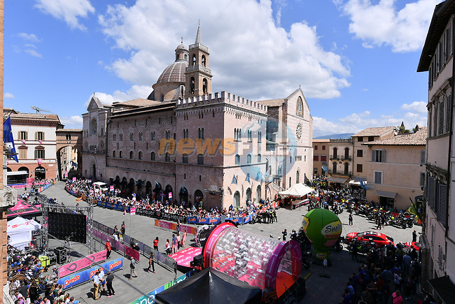 The start ramp before Stage 10 the Sagrantino Stage of the 100th edition of the Giro d'Italia 2017, an individual time trial running 39.8km from Foligno to Montefalco, Italy. 16th May 2017.<br /> Picture: LaPresse/Gian Mattia D'Alberto | Cyclefile<br /> <br /> <br /> All photos usage must carry mandatory copyright credit (&copy; Cyclefile | LaPresse/Gian Mattia D'Alberto)