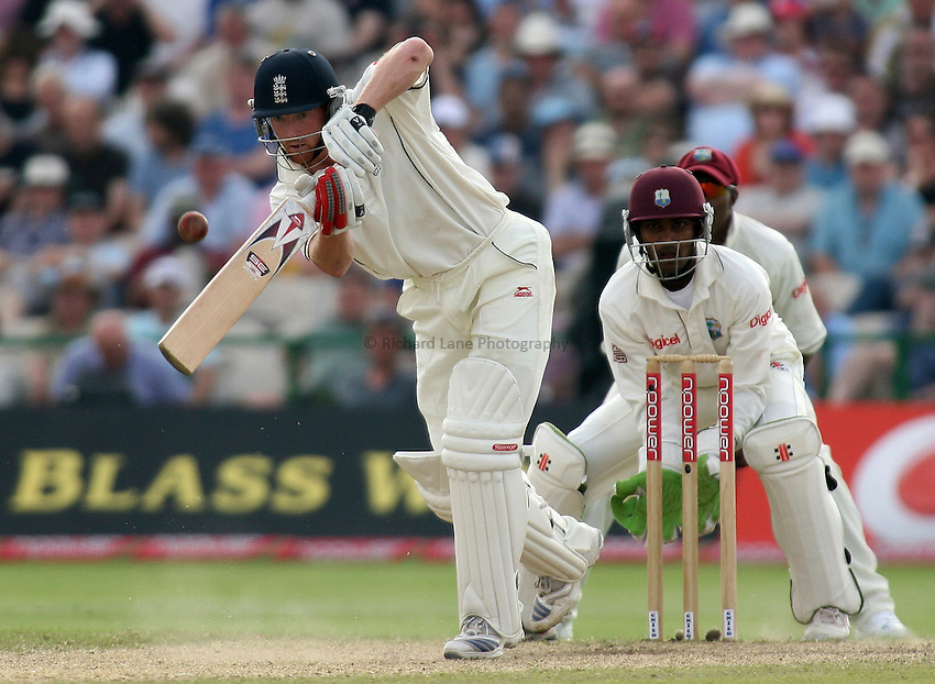 Photo: Paul Thomas..England v West Indies. 3rd Test npower Test Match Series. 09/06/2007...Paul Collingwood of England.