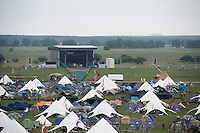 The big arena is visible in the distance behind the Portal and parts of Autumn Sub Camp. Photo: Eric Hampusgård/Scouterna