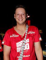 SAO PAULO, SP, 19 DE FEVEREIRO 2012 - CAMAROTE BAR BRAHMA - O reporter Bruno Lawrence e visto no Camarote Bar Brahma, no primeiro dia de desfiles do Grupo Especial do Carnaval de Sao Paulo, na madrugada deste domingo 19, no Sambodromo do Anhembi regiao norte da capital paulista. (FOTO: MILENE CARDOSO - BRAZIL PHOTO PRESS).