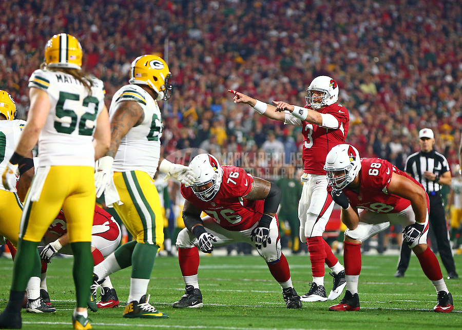 Jan 16, 2016; Glendale, AZ, USA; Arizona Cardinals quarterback Carson Palmer (3) reacts as he calls a play against the Green Bay Packers during an NFC Divisional round playoff game at University of Phoenix Stadium. Mandatory Credit: Mark J. Rebilas-USA TODAY Sports