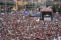 SÃO PAULO, SP, 14 DE JULHO DE 2012 – MARCHA PARA JESUS: Movimentação de evangélicos durante Marcha para Jesus 2012, realizada na manhã deste sábado (14) em São Paulo. A concentração ocorreu em frente a Estação da Luz onde a multidão seguiu caminhando até a Praça Campos de Bagatelle na zona norte da cidade, onde foi montado um palco para a realização de vários shows de música gospel. FOTO: LEVI BIANCO – BRAZIL PHOTO PRESS