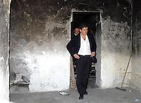 Il sindaco Gianni Alemanno sul posto dove sono stati aggrediti i due turisti olandesi..Mayor Gianni Alemanno on the spot where they were attacked  two Dutch tourists attacked  allegedly by two Romanians.