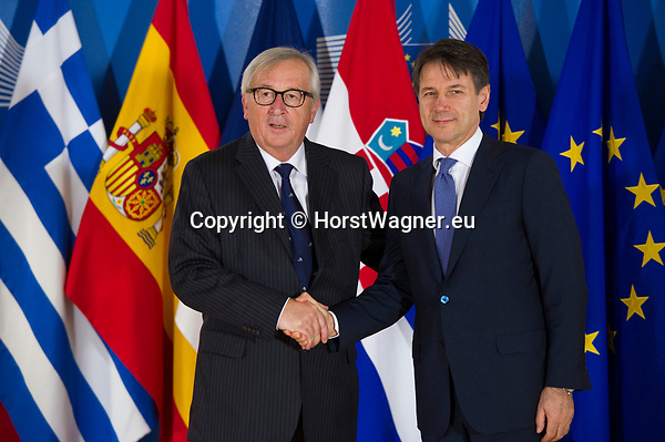 Belgium, Brussels - June 24, 2018 -- Informal working meeting on migration and asylum issues convened by Jean-Claude JUNCKER (le), President of the European Commission, here welcoming Giuseppe CONTE (ri), Prime Minister of Italia -- Photo © HorstWagner.eu