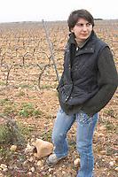 Anne-Laure Borras, daughter to Jacques Gauch Domaine Le Nouveau Monde. Terrasses de Beziers. Languedoc. Owner winemaker. In the vineyard. France. Europe.