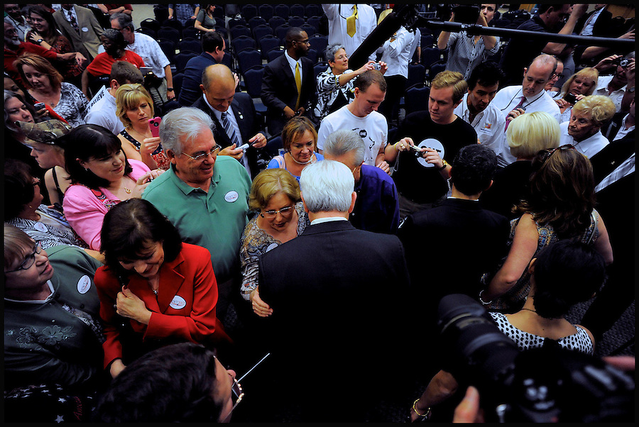 Former House speaker and Republican presidential candidate Newt Gingrich (C) meets with supporters after speaking at a Veterans for a Strong America event during a campaign stop in Jacksonville, Florida, USA, 26 January 2012. Republican candidates will campaign in Florida in the lead up to the Florida Primary on 31 January 2012.