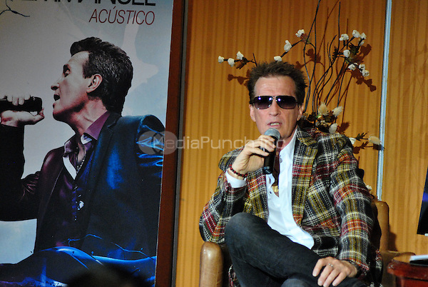 August 27, 2012 Emmanuel Acustico Press Conference in Mexico City<br />