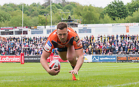 Picture by Allan McKenzie/SWpix.com - 13/05/2017 - Rugby League - Ladbrokes Challenge Cup - Castleford Tigers v St Helens - The Mend A Hose Jungle, Castleford, England - Castleford's Greg Eden about to cross the line to score another try against St Helens.