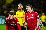 10.11.2018, Signal Iduna Park, Dortmund, GER, 1.FBL, Borussia Dortmund vs FC Bayern M&uuml;nchen, DFL REGULATIONS PROHIBIT ANY USE OF PHOTOGRAPHS AS IMAGE SEQUENCES AND/OR QUASI-VIDEO<br /> <br /> im Bild | picture shows:<br /> Thomas Mueller (Bayern #25) und Robert Lewandowski (Bayern #9) mit Manuel Akanji (Borussia Dortmund #16) sind frustriert, entt&auml;uscht nach einer vergebenen Chance, <br /> <br /> Foto &copy; nordphoto / Rauch