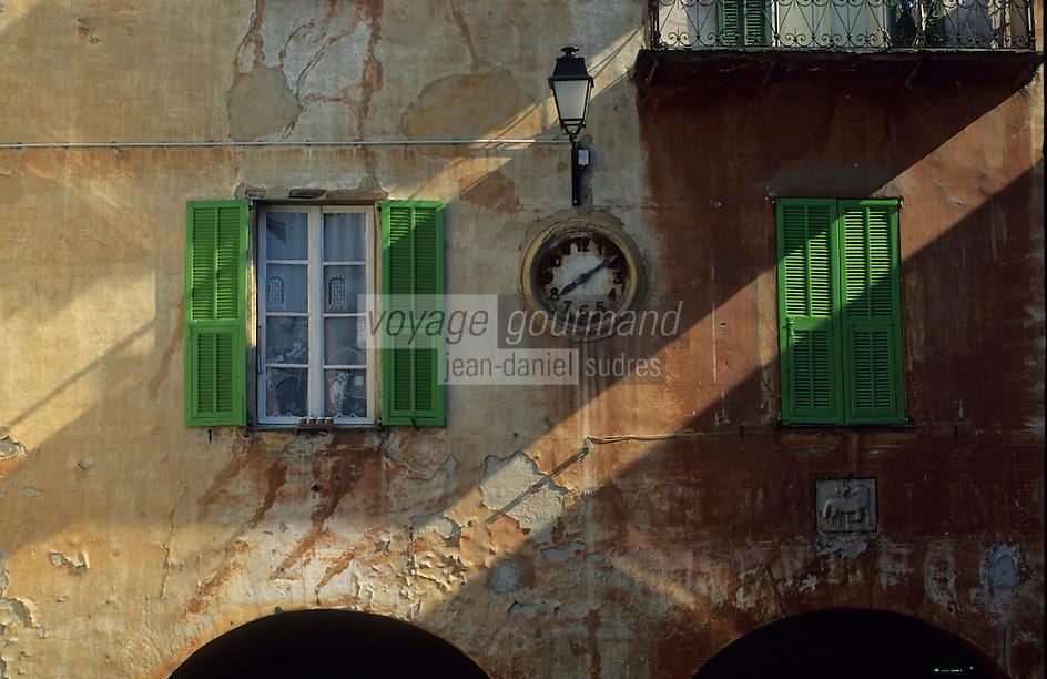 Europe/France/Provence-Alpes-Côtes d'Azur/06/Alpes-Maritimes/Alpes-Maritimes/Arrière Pays Niçois/Sospel : Détail maison, ancien palais communal sur le place Saint-Nicolas