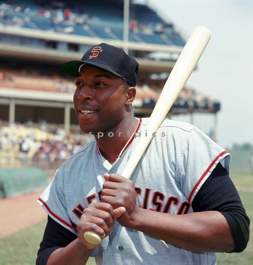 San Francisco Giants Willie McCovey (4) portrait from his 1964 season with the San Francisco Giants. Willie McCovey played for 22 years with 3 different teams, was a 6-time All-Star, 1969 National League MVP and was inducted to the Baseball Hall of Fame in 1986.<br /> (SportPics)
