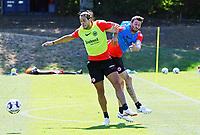 Goncalo Paciencia (Eintracht Frankfurt) gegen David Abraham (Eintracht Frankfurt) - 18.07.2018: Eintracht Frankfurt Training, Commerzbank Arena