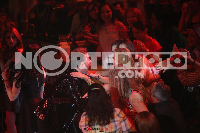 Cristian Castro durante su concierto en el Palenque de la ExpoGan el  18 de  abril 2014 en Hermosillo Sonora. .*Foto:©LuisGutierrez*