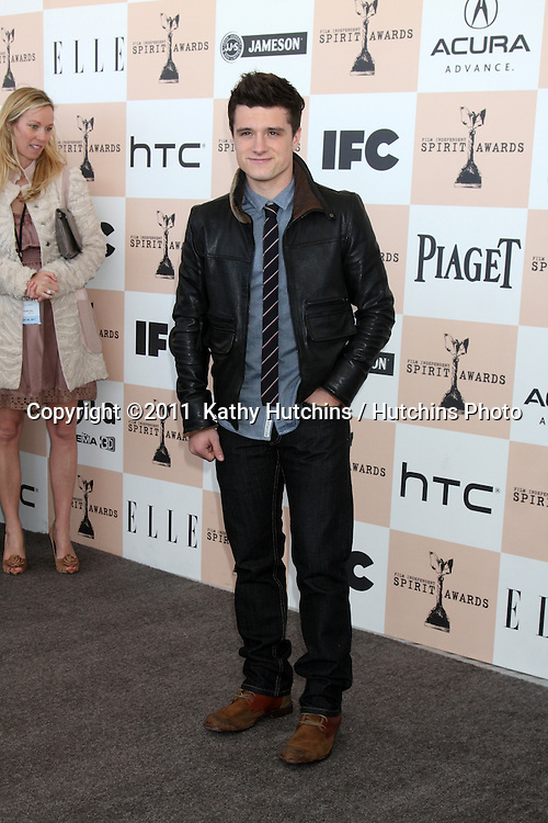 LOS ANGELES - FEB 26:  Josh Hutcherson arrives at the 2011 Film Independent Spirit Awards at Beach on February 26, 2011 in Santa Monica, CA