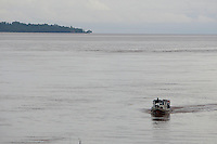 Viegem de balsa saindo de Icoaraci em Belém até Camará no Marajó.<br /> Pará, Brasil<br /> Foto Paulo Santos<br /> 21/04/2014