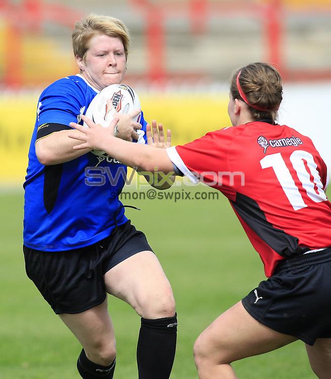 Pix: Chris Mangnall/SWpix.com, Women's Rugby League, Carnegie Super 4 2010 @ Hearwell Stadium Wakefield 25/04/10 ....picture copyright>>Simon Wilkinson>>07811267 706>>.... Blue v Red