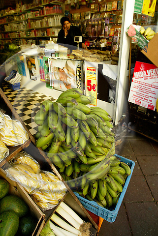 BRUSSELS - BELGIUM - 22 NOVEMBER 2005 -- Grocery shop in the African part of Ixelles also called Matonge. Bananas and other vegetables.  PHOTO: ERIK LUNTANG / EUP-IMAGES..