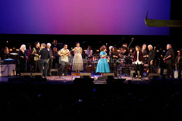 Los Angeles, CA - NOV 07:  Guests performs at 'Joni 75: A Birthday Celebration Live At The Dorothy Chandler Pavilion' on November 07 2018 in Los Angeles CA. Credit: CraSH/imageSPACE/MediaPunch