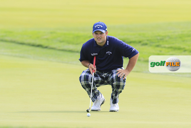 Patrick Reed (USA) lines up his putt on the 4th green during Thursday's Round 1 of the 2016 U.S. Open Championship held at Oakmont Country Club, Oakmont, Pittsburgh, Pennsylvania, United States of America. 16th June 2016.<br /> Picture: Eoin Clarke | Golffile<br /> <br /> <br /> All photos usage must carry mandatory copyright credit (&copy; Golffile | Eoin Clarke)