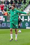 10.02.2019, Weserstadion, Bremen, GER, 1.FBL, Werder Bremen vs FC Augsburg<br /> <br /> DFL REGULATIONS PROHIBIT ANY USE OF PHOTOGRAPHS AS IMAGE SEQUENCES AND/OR QUASI-VIDEO.<br /> <br /> im Bild / picture shows<br /> Sebastian Langkamp (Werder Bremen #15) beim Aufw&auml;rmen vor dem Spiel, <br /> <br /> Foto &copy; nordphoto / Ewert