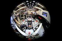 SINGAPURA, SINGAPURA, 21 SETEMBRO 2012 - FORMULA 1 - GP DE SINGAPURA - O piloto ingles Lewis Hamilton da equipe Mclaren durante treino livre nesta sexta-feira, 21, para o GP de Singapura que acontecera no proximo domingo. (FOTO: PIXATHLON / BRAZIL PHOTO PRESS).