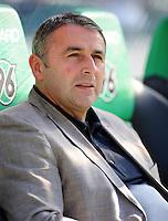 FUSSBALL   1. BUNDESLIGA   SAISON 2011/2012    8. SPIELTAG Hannover 96 - SV Werder Bremen                             02.10.2011 Manager Klaus ALLOFS (Werder Bremen)