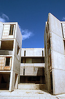 Louis I. Kahn: Salk Institute, La Jolla. Elevation--north side of court. Photo 2004.