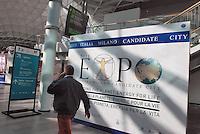 - the new Milan fair at Rho-Pero, banner for 2015 World Fair ....- la nuova fiera di Milano a Rho-Pero, striscione per l'EXPO universale del 2015