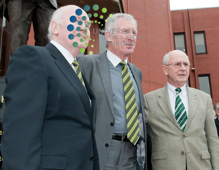L_R Dr. John Reid, Billy McNeill and Fergus McCann. Celtic Football Club unveil a statue commemorating Jock Stein on,5 March 2011, Picture: Al Goold/Universal News and Sport (Europe) 2011.
