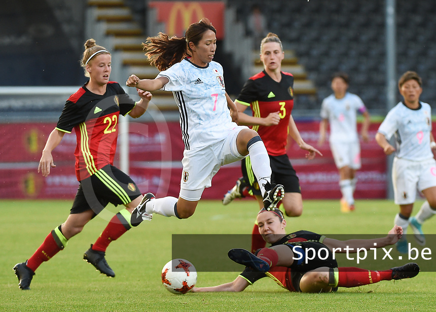 20170613 - LEUVEN ,  BELGIUM : Belgian Elien Van Wynendaele (R) and Japanese Emi Nakajima (M) pictured during the female soccer game between the Belgian Red Flames and Japan , a friendly game before the European Championship in The Netherlands 2017  , Tuesday 13 th Juin 2017 at Stadion Den Dreef  in Leuven , Belgium. PHOTO SPORTPIX.BE | DIRK VUYLSTEKE