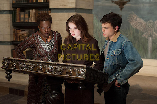 Viola Davis, Alice Englert, Alden Ehrenreich.in Beautiful Creatures (2013) .*Filmstill - Editorial Use Only*.CAP/NFS.Supplied by Capital Pictures.