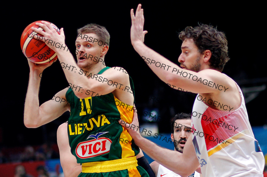 Spain's Pau Gasol (R) vies with Lithuania's Renaldas Seibutis (L) during European championship basketball final match between Spain and Lithuania on September 20, 2015 in Lille, France  (credit image & photo: Pedja Milosavljevic / STARSPORT)